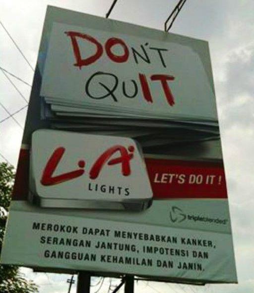 Billboard Iklan Rokok di Jakarta. Iklan tidak menampilkan gambar rokok atau pesan persuasif untuk merayu konsumen. Sumber: Coconuts