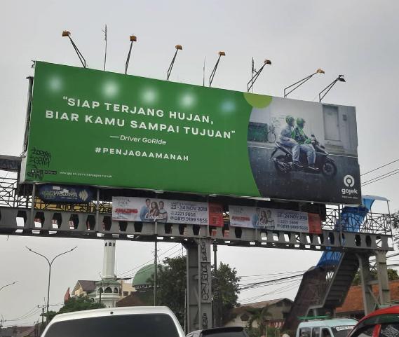 Billboard Gojek dengan storytelling yang simple dan berkesan. Sumber: Gojek indonesia