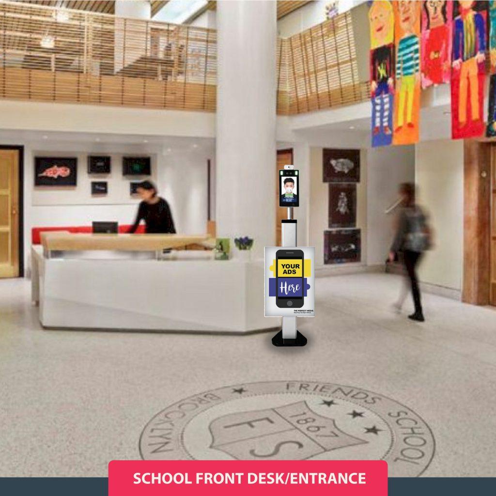 Thermal Imaging Scanner di Front Desk Sekolah