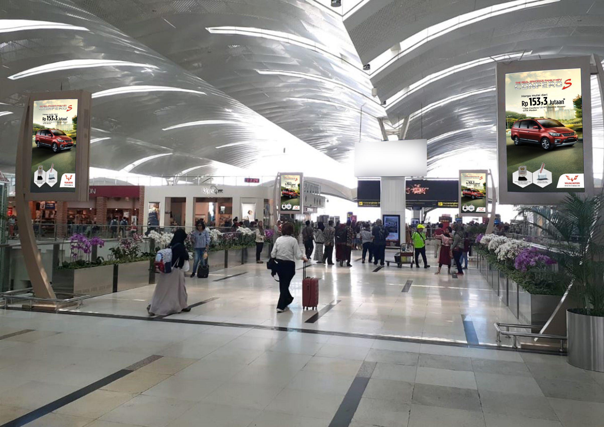 LCD Display Branding Wuling Motors di Bandara Internasional Kualanamu Medan