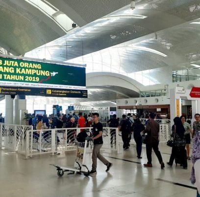 Iklan Bandara untuk GrabCar Airport di Bandara Internasional SMB II Palembang