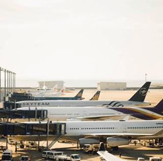 ACI: TOP 10 AIRPORTS: PASSENGER TRAFFIC IN 2013
