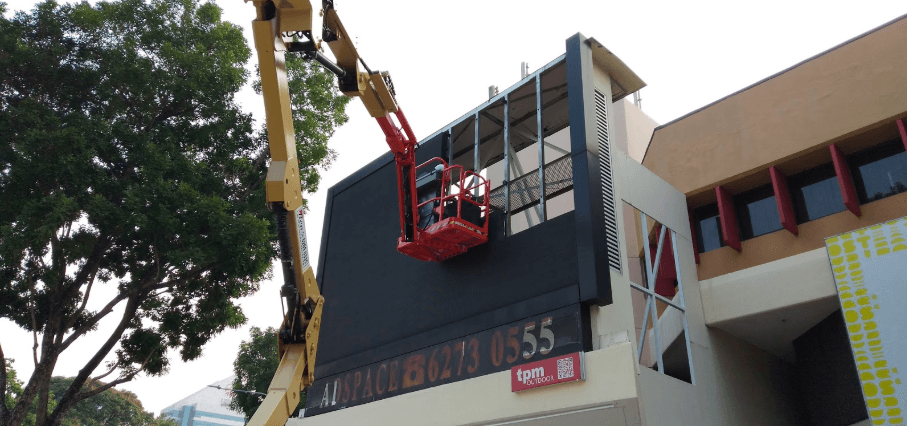 The Perfect Media LED Screen Construction at Queensway Shopping Centre